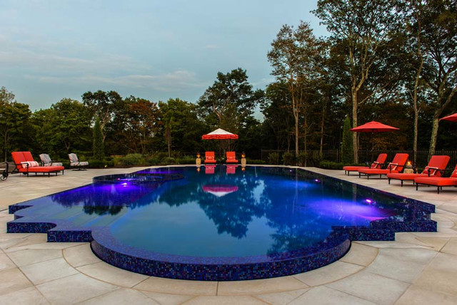 Infinity edge perimeter overflow pool design in nj for Pool negative edge design