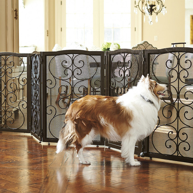 Rolling Six Panel Pet Gate Amp Crate Traditional Pet