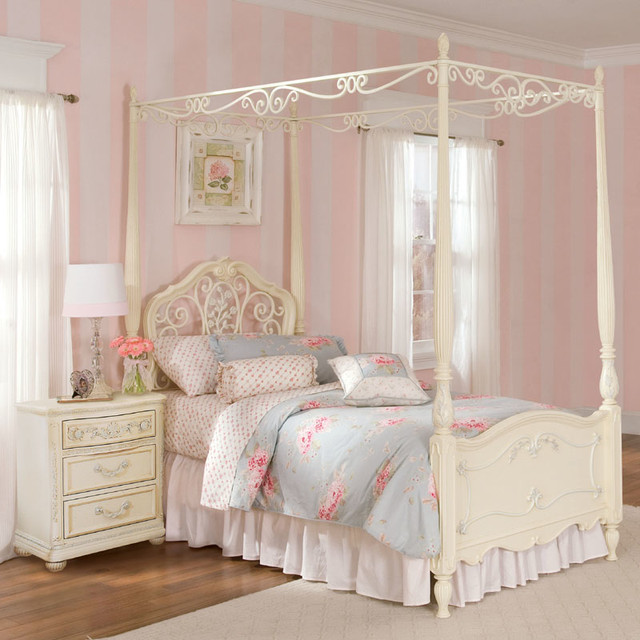 Romance Poster Bed And Canopy Modern Canopy Beds By