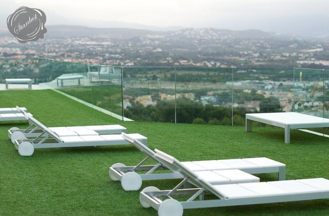 Modern Outdoor Chaise Lounge: Gandia Blasco Na Xemena
