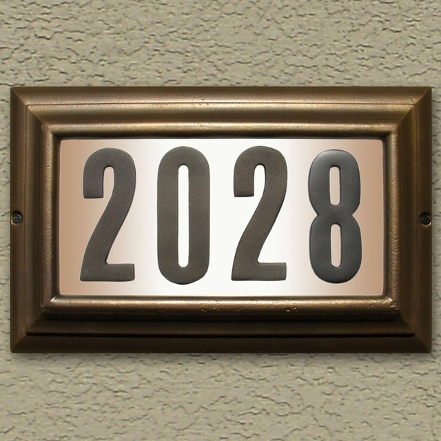 Qualarc edgewood large lighted address plaque ltl 1301 for Big modern house numbers