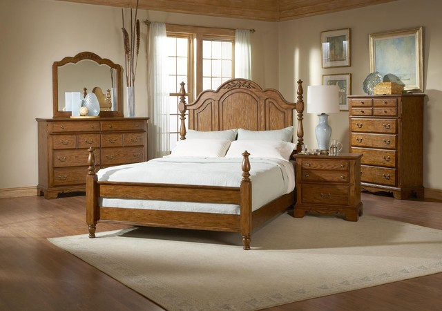 Broyhill Oakridge King Poster 7 Piece Bedroom Set 4296