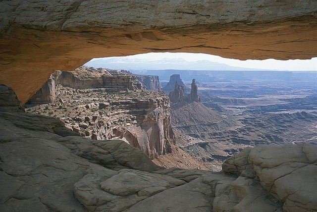 Mesa arch in desert canyon wallpaper wall mural self for Desert mural wallpaper