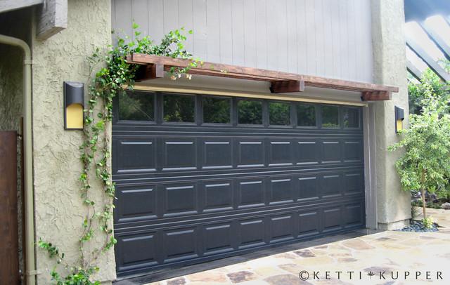 Garage Door With Pergola Eclectic Landscape Los