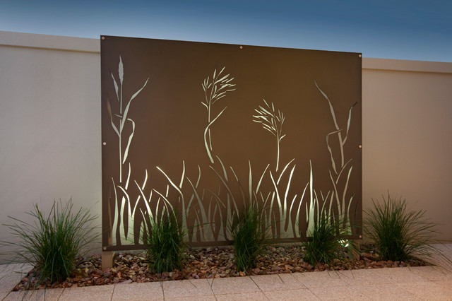 Rush modern outdoor decor perth by outside in for Garden feature screens