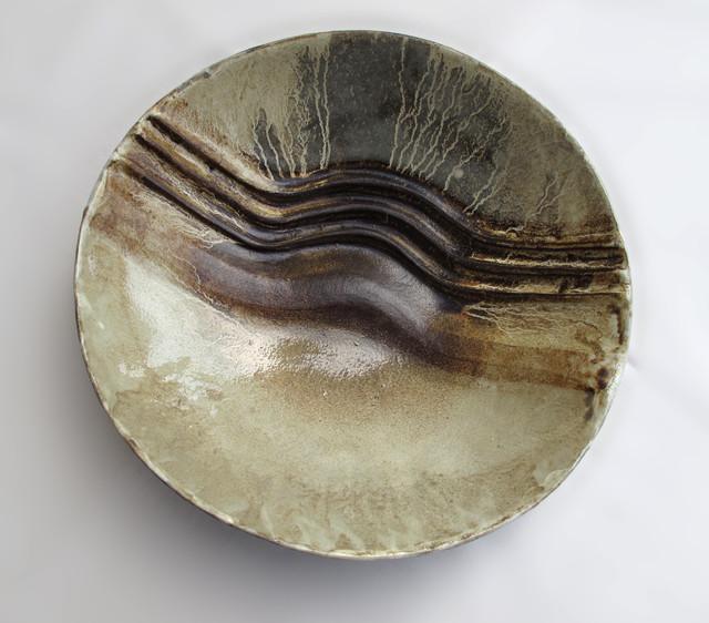 ceramic bowls moderne assiette d corative other metro par hazel feeney. Black Bedroom Furniture Sets. Home Design Ideas