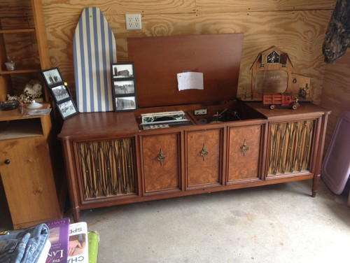 Old Record Player Tv Stand
