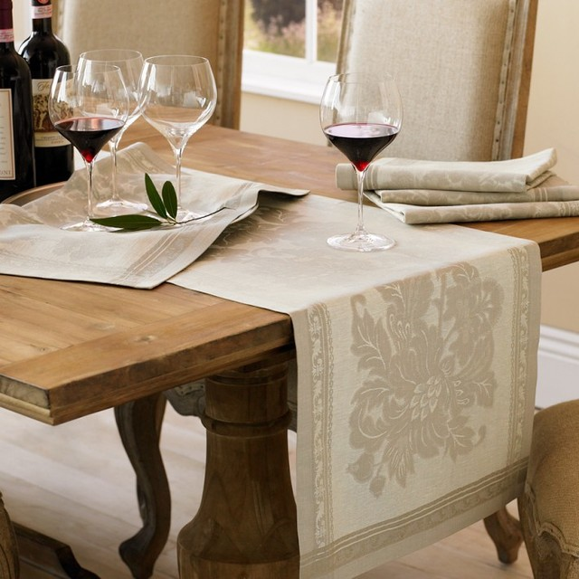 Lovely Antique Floral Jacquard Table Runner Traditional Table. Download