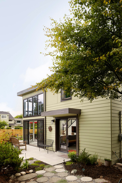 West Seattle Backyard Cottage Contemporary Seattle
