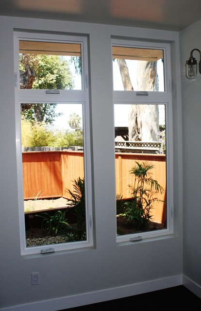 Milgard tuscany series vinyl casement windows for Milgard vinyl windows