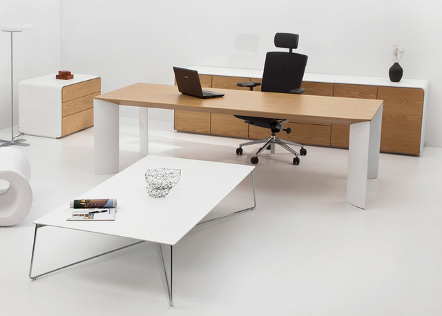 Manu Table By B T Design Modern Dining Tables New York By 212 Concept