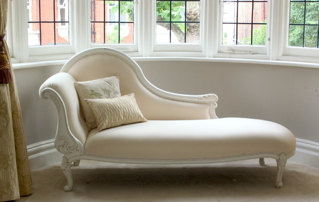 Classical white chaise longue for Chaise longue london