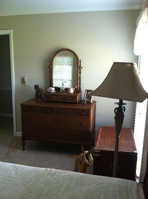 Need help with bedding and decorating my 1924 mahogany bed for Need help decorating my apartment