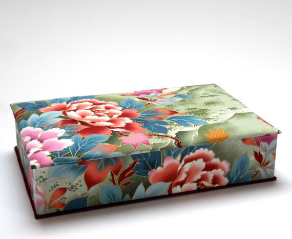 Fabric covered box by minouc traditional decorative for Fabric covered boxes craft