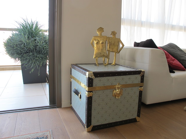 Steamer Trunk Side Table Contemporary Coffee Tables