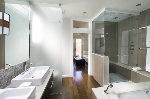 Can laminate wood floor be used in a bathroom what type - Can you use laminate flooring in a bathroom ...