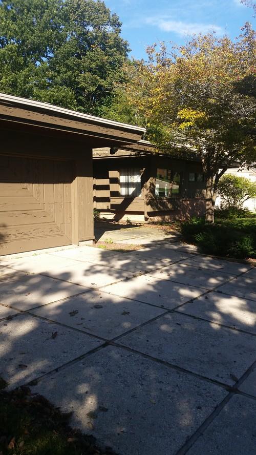 Mcm home needs curb appeal for Golden rule garage door