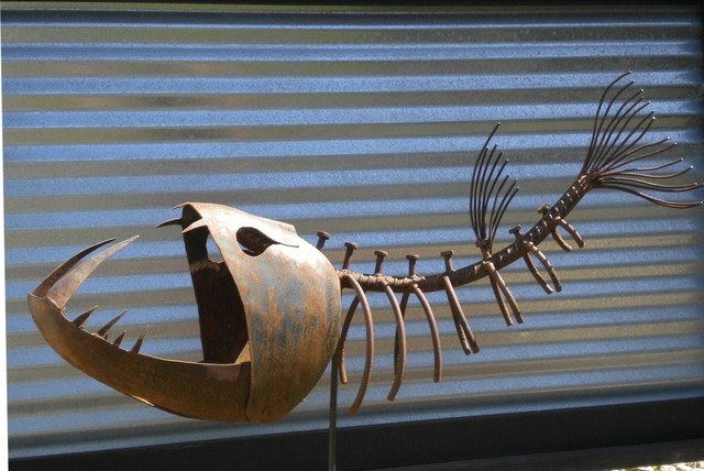 Scary Fish   Modern   Gartenskulpturen   San Diego   Von Sculpture With A  Twist