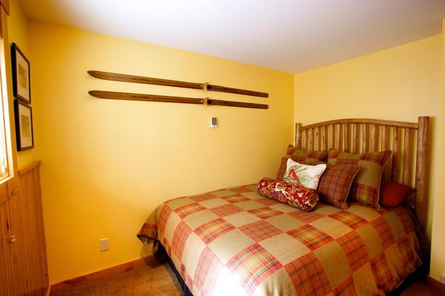 Crystal Mountain Ski Condo Traditional Bedroom