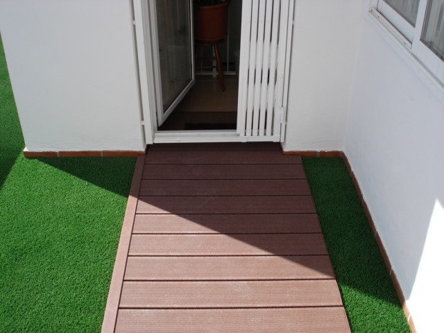 Cesped artificial terrazas contemporary patio other - Terraza con cesped artificial ...
