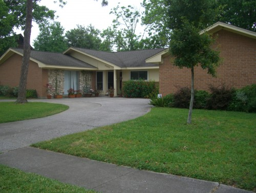 Any paint color recommendations, landscaping ideas or any other ...