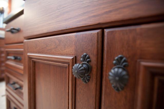 Bathroom sacramento di timberwood custom cabinets for Timberwood custom kitchens