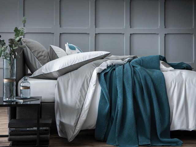 complicites gourmandes intemporels gris blanc contemporain housse de couette et parure de. Black Bedroom Furniture Sets. Home Design Ideas