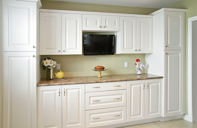 Birmingham classic white traditional kitchen toronto for Aya kitchen cabinets