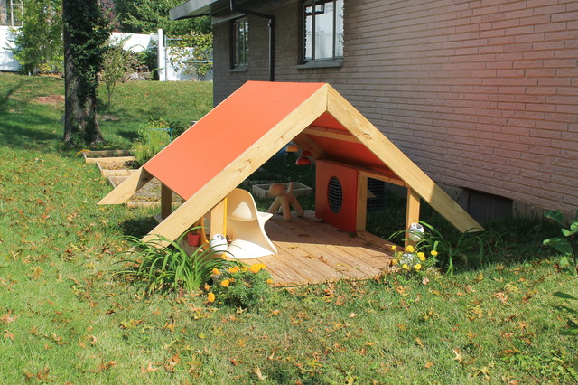 Modern a frame playhouse modern outdoor playhouses for Outdoor playhouse designs