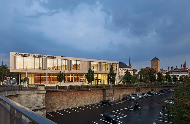 congress centrum w rzburg ccw modern haus fassade. Black Bedroom Furniture Sets. Home Design Ideas