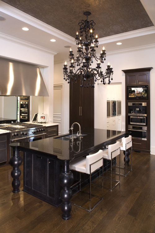 Pendants vs. Chandeliers Over a Kitchen Island (Reviews/Ratings/Prices)