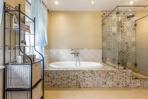 Дизайн ванной комнаты плитка не до потолка