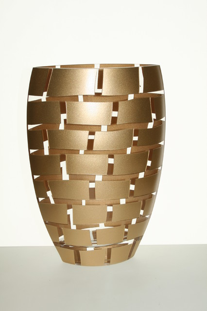 mouth blown 12 vase with gold leaf decor on walls traditional vases