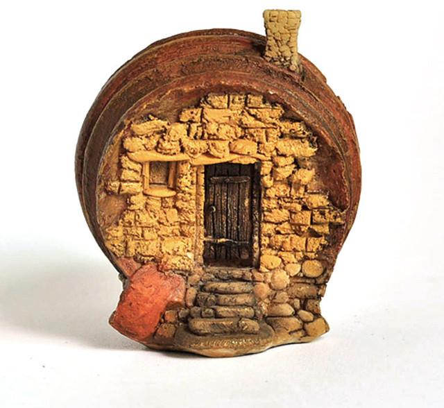 Decorative Objects For The Home: Miniature Fairy Garden Tiny Terrarium Barrel House