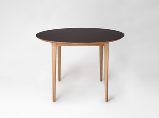 Market ronde contemporary dining tables other metro for Petites tables rondes