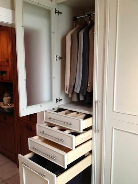 Custom hardwood designer closets for Woodtrac closets
