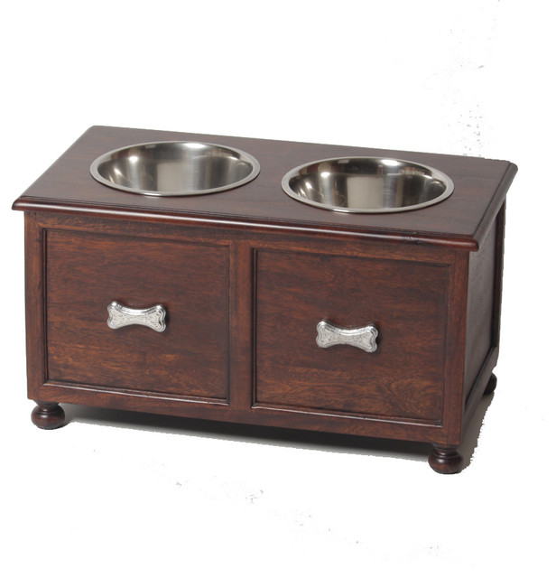 traditional pet bowls and feeding