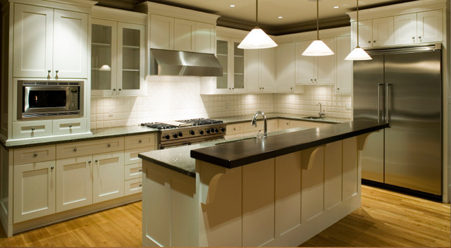 White Kitchen Cabinets | Ice White Shaker Door Style | Kitchen Cabinet Kings
