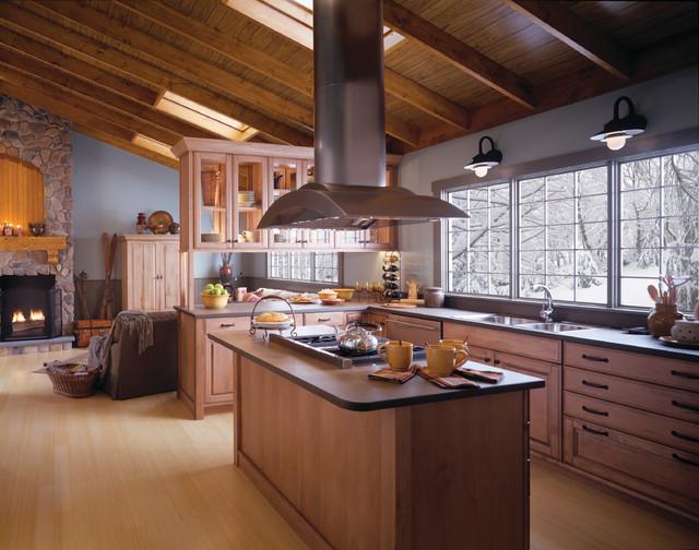 Wood mode brookhaven kichen traditional kitchen for Brookhaven kitchen cabinets