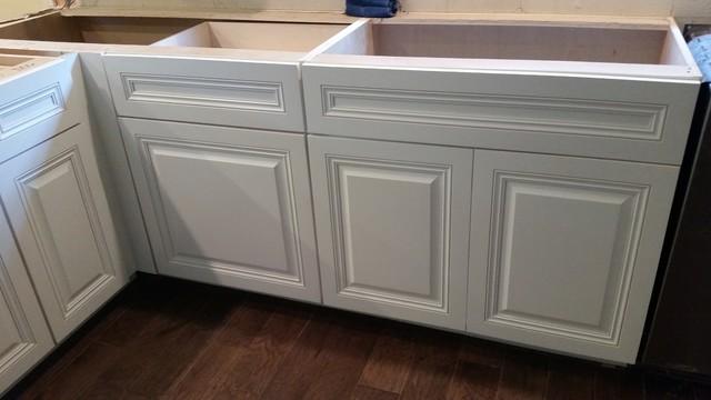 Full Overlay White Kitchen Cabinets