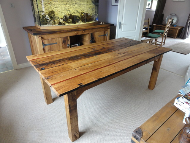 Dining table traditional dining tables west midlands for Traditional dining table uk