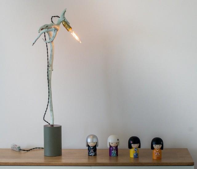 l oiseau bleu industriel lampe poser other metro. Black Bedroom Furniture Sets. Home Design Ideas
