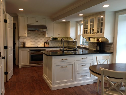 standard height between countertop and wall cabinets 2