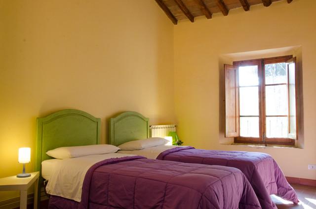 Casa vacanza poppiano for 4 piani casa di campagna camera da letto