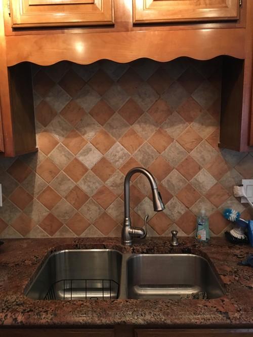 My poor windowless kitchen sink for Windowless kitchen ideas