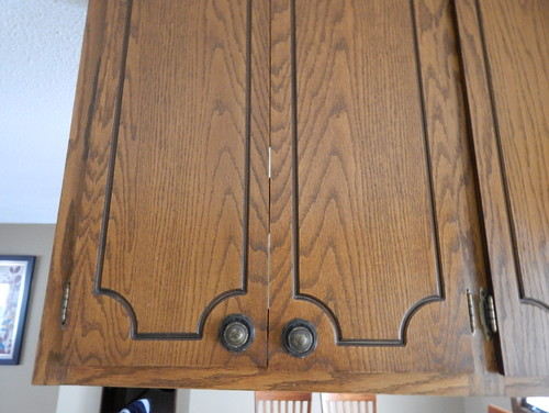 Need ideas for 1970's oak kitchen cabinet update