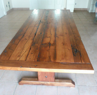 Reclaimed barnwood dining table traditional dining for Traditional dining table uk