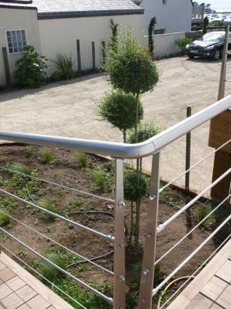 garde corps inox remplissage c ble terrasse en bois ext rieur avec rampe moderne terrasse. Black Bedroom Furniture Sets. Home Design Ideas