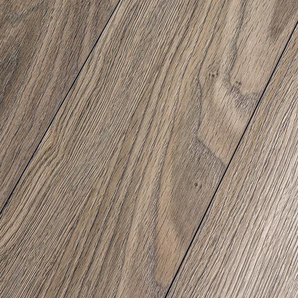 Inhaus precious highlands topaz oak 12mm laminate flooring for Inhaus laminate flooring