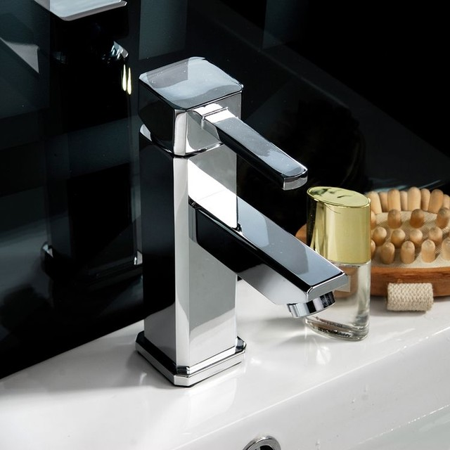 Single Handle Bathroom Faucet Chrome Contemporary Bathroom Faucets And Showerheads By